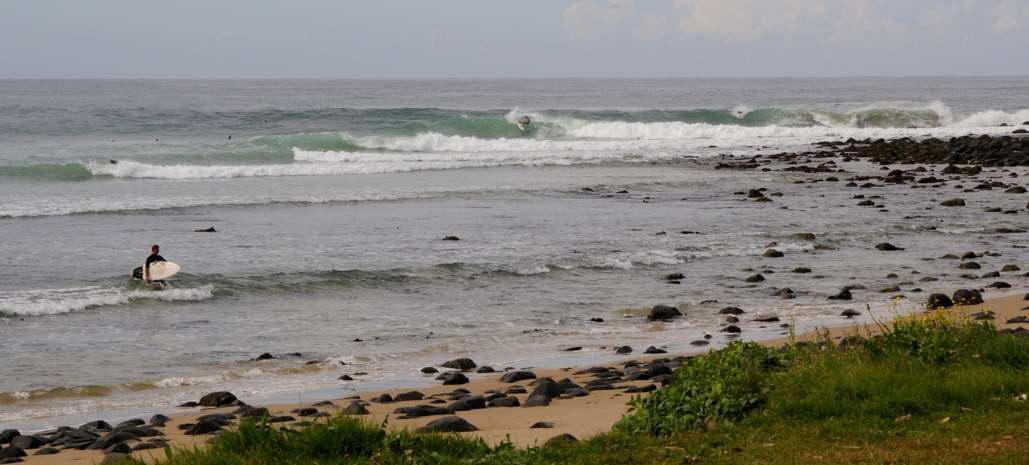crescent head surfing
